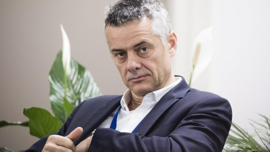 Le patron d'Amazon France espère rouvrir très rapidement les entrepôts du pays